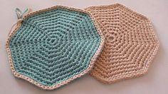 Crochet Octagon Coasters - Free pattern by Paula Daniele plus video tutorial.