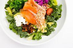 南青山の人気のサラダの店「GOOD LIFE FACTORY」のサラダが「レガート」でもお召し上がりいただけることになりました。 #サラダ #渋谷 #レガート #レガートスカイラウンジ #グローバルダイニング #goodlifefactory #legato #legatoskylounge #Shibuya #テイクアウト Cobb Salad, Food, Essen, Meals, Yemek, Eten