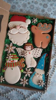 These are cookies but they would be so cute made from polymer clay or salt dough Christmas Sugar Cookies, Christmas Sweets, Noel Christmas, Christmas Goodies, Holiday Cookies, Christmas Baking, Holiday Treats, All Things Christmas, Gingerbread Cookies