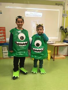 Halloween 2020, Holidays Halloween, Halloween Crafts, Science Projects For Kids, Crafts For Kids, Alien Crafts, Outer Space Party, Monster Costumes, Space Theme