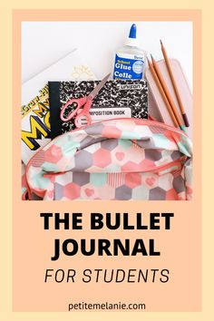 Bullet Journaling for students, Part 1, 2 and 3. Tips to help students to be more organized during the school year. The complete guide to help students be more organized with a Bullet Journal during the school year. Class schedule, weekly schedule, homework, group projects, budget, finances, meal prep. Bullet Journal En Français, Bullet Journal School, Weekly Schedule, Class Schedule, Book Names, High School Students, Guide, Getting Organized, Homework