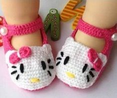 Knitted Baby Shoes, OMG I need to have a girl just so I can have her wear these lmao