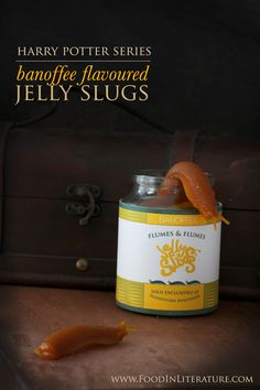 Harry Potter Banoffee flavoured jelly slugs from Honeydukes. With only four ingredients, you can make these jelly slugs inspired by Harry Potter. They'd made a perfect party favor! | Food in Literature