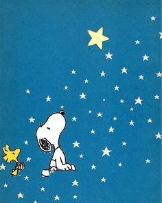Stargazing Snoopy and Woodstock Charlie Brown Y Snoopy, Snoopy Love, Peanuts Cartoon, Peanuts Snoopy, Snoopy Und Woodstock, Snoopy Pictures, Snoopy Wallpaper, Cartoon Birds, Joe Cool