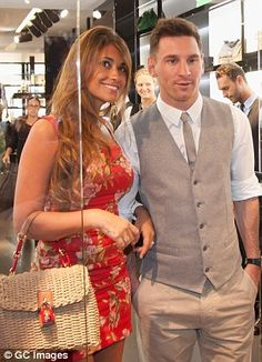 Centre of attention: Lionel Messi Fc Barcelona, Lionel Messi Barcelona, Cr7 Vs Messi, Neymar, Soccer Boys, Play Soccer, Antonella Messi, Messi And His Wife, Football Wags