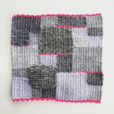 Small pink and gray weaving from this week I think I am going frame it  #weaving #weaveweird #tapestry #tkanie #gobelin