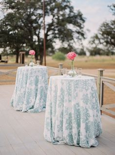 Cocktail Tables - A sophisticated accent in a simple world - Decoration Ideas Our Wedding Day, Dream Wedding, Wedding Stuff, Wedding Ideas, 40th Birthday, Birthday Celebration, Barn Parties, Dinner Parties, Types Of Cocktails