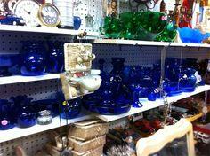 669 x 500 Antique Shops, Antiques, Home Decor, Antiquities, Antique Stores, Antique, Decoration Home, Room Decor, Interior Decorating
