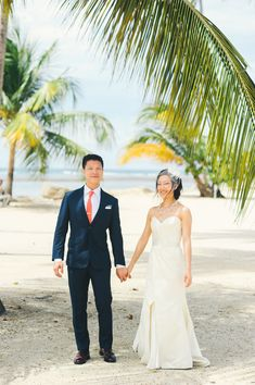 Puerto Rico wedding // photo by Rebekah J Murray // http://ruffledblog.com/elegant-puerto-rican-wedding