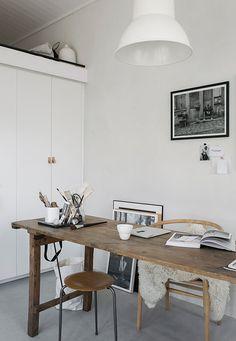 + #workspace | Attefallshus by Pella Hedeby Foto: Sara Medina Lind & Pella Hedeby