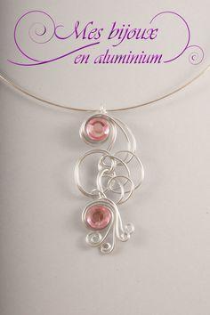 Collier tour de cou strass rose
