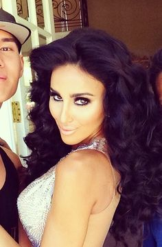 If only I can have this hair and makeup for ONE day! Gorgeous Lilly Ghalichi