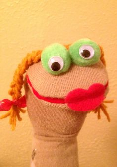 for our Spring performance of a Muppets song ; Could use Pom poms for big eyes like muppets! Sock Puppets, Hand Puppets, Diy For Kids, Crafts For Kids, How To Make Socks, Puppets For Kids, Sock Crafts, Horse Crafts, Puppet Patterns