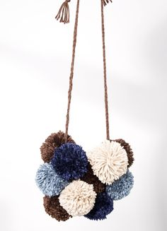 DIY - POM POM NECKLACE & SCARF.