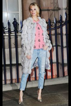 Photos via: Harper's Bazaar | Buro 24/7 | Zimbio | Buro 24/7 | Harper's Bazaar I'm always excited to see what Poppy Delevingne has in store for London Fashion Week. Her street style shots are guaranteed to be full of inspiration. Can't decide which is best! Get the look…