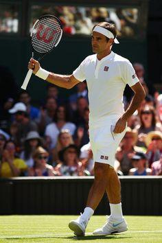 Roger Federer - Wimbledon Tennis Championships - Day 1 in London 180702 Pro Tennis, Lawn Tennis, Tennis Clubs, Tennis Players, Tennis Racket, Wimbledon Tennis, Federer Wimbledon, Roger Federer, Rafael Nadal