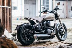 In Yamaha Italy's Garage Challenge, six builders were given an XV950 to transform.