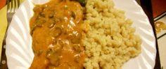 Recept Máslové halušky s vepřovým masem na houbové omáčce Hungarian Recipes, Main Meals, Baked Chicken, Stew, Risotto, Macaroni And Cheese, Curry, Toast, Pork