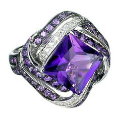 Amethyst and Diamond Ring in 18k White Gold