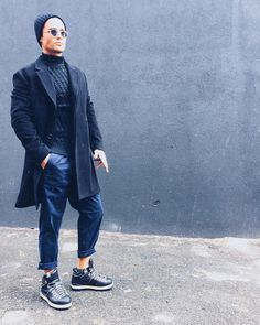 Spencer Boldman dressed by gentrynys and aberaro navy knit sweater peat coat oversize sneakers winter 2016 Men's Style, Hair Style, Spencer Boldman, Zendaya Hair, Winter Sneakers, Man Crush, Well Dressed, Lions, Men's Fashion