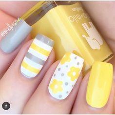 Yellow Nail art and Manicure - 30 beautiful ideas - Nail art designs & diy Spring Nail Art, Nail Designs Spring, Nail Art Designs, Flower Designs For Nails, Striped Nail Designs, Bright Nail Designs, Cute Summer Nail Designs, Cute Spring Nails, Fabulous Nails