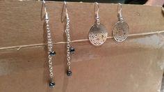 Oorringen met filigraan hanger en met granietkleurige parels aan ketting