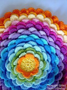 Tecendo Artes em Crochet: Projeto de Uma Almofada Pétalas.