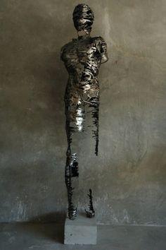 Regardt van der Meulen-Drip-Deconstructed Skulpturen Design
