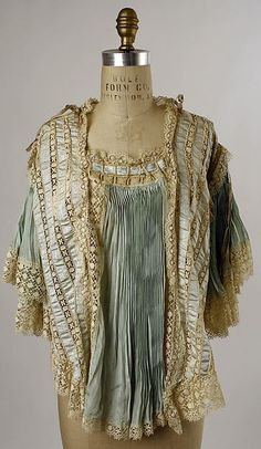 Bed Jacket  --  Late 19th-Early 20th Centuries  --  American  --  Silk  --  The Metropolitan Museum of Art Costume Institute