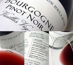 Este #Borgoña, elaborado con la variedad de uva #PinotNoir por Maison Roche de Bellene presenta un color rojo oscuro, granate. De capa media baja, nos sumerge en los típicos colores vivos y brillantes de los vinos de Borgoña. Aroma a cerezas negras, violetas y frutos del bosque rojo en una fina complejidad que no resulta pesada sino fresca y armoniosa. Sabor fresco, suave y concentrado, con notas de cassis y cerezas. Fácil de beber pero con un recuerdo duradero, refrescate y sedoso.