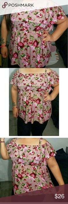 Off the shoulder floral top Brand new Very flattering floral top Stretchy material Tops Blouses