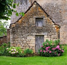 justcallmegrace: old stone building - a quieter storm
