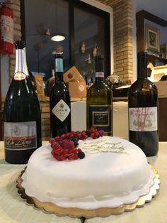 In the lunch for my BDay we are drink : Spumante B&B Bonfitto  MG Mastremilio #Caprareccia 2011 MG #colpetrone Gold 2005 #marchesidibarolo #Cannubi 2004 MG #DeLamis 2009 (96 mesi sui lieviti)🎉🎂🍾🍾🍷🍷🍷 . @marchesibarolo #cantinedelamis #italianwine #winetime #somm #sommeliergarganici #winetasting  #pusherofwine  #icon #wineinfluencer  #prof  #scissionisti  #sanmarcoinlamis #puglia #bollicinedipuglia #garagewine #winespectator #bollicine #drinks