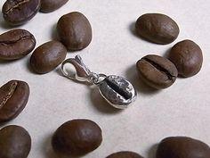 Charm Kaffeebohne, Karabiner 9mm, 925/ooo Silber von Schmuckeritis auf DaWanda.com
