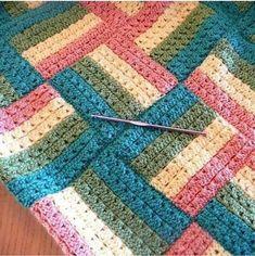 Point Granny Au Crochet, Granny Square Crochet Pattern, Granny Square Blanket, Afghan Crochet Patterns, Knitting Patterns, Crochet Afghans, Free Crochet Square, Knit Squares Blanket, Joining Crochet Squares