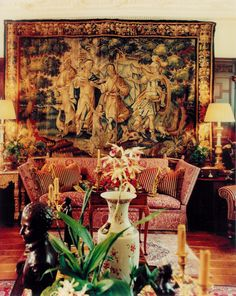 World renowned for classical interior design, French and English antiques, and Oriental porcelain. Classical Interior Design, Small Space Interior Design, Classic Interior, Luxury Interior, Tapestry Fabric, Wall Tapestry, Classic Living Room, Modern Wallpaper, Old World Charm