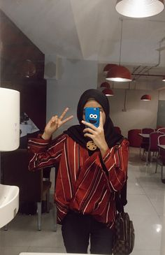 Casual Hijab Outfit, Hijab Chic, Casual Outfits, Fashion Outfits, Modern Hijab Fashion, Muslim Fashion, Modest Fashion, Modest Dresses, Modest Outfits