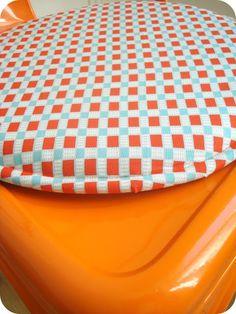 Une galette vitaminée pour ma chaise Tolix. Tissu Petit Pan. DIY www.tadaam 48cf12d49df