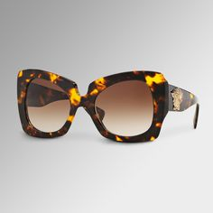 Add a dazzling touch to your look with these #Versace Havana Butterfly Sunglasses. Get more on versace.com