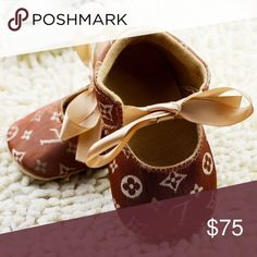 🆕️Baby girl Designer logo brown Monogram shoes Baby girl LV style shoes Never used super cute hard to find! Fashion Shoes, Fashion Tips, Fashion Trends, Logo Shoes, Baby Girl Shoes, Authentic Louis Vuitton, Kids Shop, Monogram, Brown