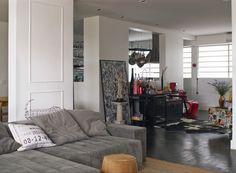 Decoração colorida torna apartamento descolado e divertido