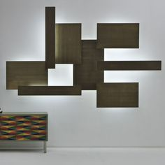 Contemporary wall light / brass By Mark Anderson  LAURAMERONI