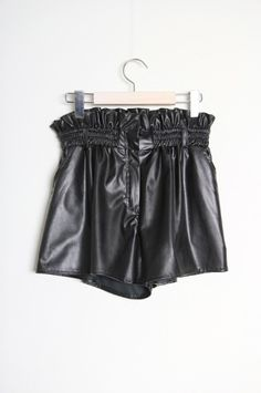 leather frill short pants