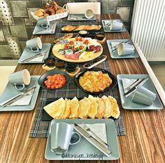 Breakfast Table Setting, Breakfast Platter, Breakfast Recipes, Breakfast Presentation, Food Presentation, Brunch, Iftar, Cooking Recipes, Healthy Recipes