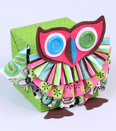 Adorable fabric owl!  Cute idea for unique gift wrapping! #creativitymadesimple