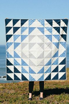 Quilt pattern and tutorial is the perfect Quilting 101 for sewing and quilting beginners. The beginner quilting pattern is meant to be approachable, straightforward, and easy to follow, eliminating any confusion or intimidation from the process. This interactive pattern includes a detailed, step-by-step tutorial with all the resources you'll need to learn how to make a quilt in one place. #diyproject #quiltpattern Beginner Quilting, Quilting 101, Beginner Quilt Patterns, Quilting For Beginners, Quilting Ideas, Sewing Projects, Diy Projects, Printable Designs, Easy Quilts