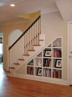 Basement idea: Under Stair Storage Design, Pictures, Remodel, Decor and Ideas - page 10 Shelves Under Stairs, Staircase Bookshelf, Space Under Stairs, Bookshelves Built In, Staircase Design, Staircase Ideas, Stair Design, Rustic Staircase, Small Staircase