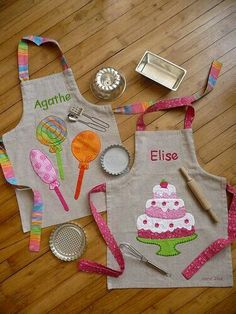 Diy Sewing Projects DIY Wrapping Gifts Inspiration So cute! - DIY Wrapping Gifts Inspiration So Fabric Crafts, Sewing Crafts, Sewing Projects, Diy Projects, Diy Crafts, Sewing For Kids, Baby Sewing, Childrens Aprons, Cute Aprons