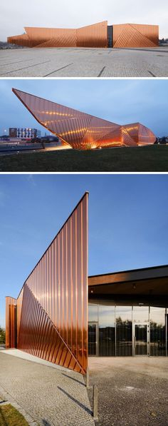 Copper plates cover the exterior of the Museum of Fire in Zory, Poland, as a tribute to the fire that took out an entire forest and made way for the development of the Polish city. #modernarchitecturehouse #modernarchitectureforest