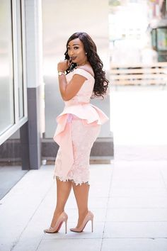 How to look classic like serwaa amihere for plus size & curvy ladies 2019 outfit African Wear Dresses, Latest African Fashion Dresses, African Print Fashion, African Attire, African Lace Styles, Casual Dresses, Dress Outfits, Dress Shoes, Formal Dresses